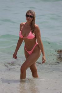 victoria-larson-in-a-bikini-beach-in-miami-08-22-2021-1.jpg