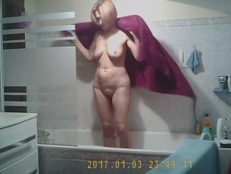 Hidden-Zone.com- Spying in the bathroom
