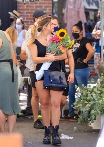 addison-rae-at-the-farmers-market-in-west-hollywood-08-29-20-5.jpg
