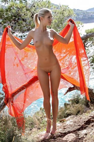 228866117_iveta_b_pareo_by_luca_helios_nude__sexy_photo_set.jpg