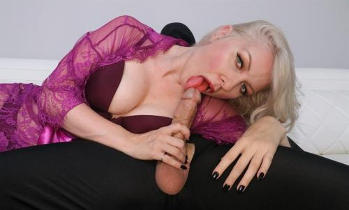 Sydney Paige - Jerking off the mystery man 1080p